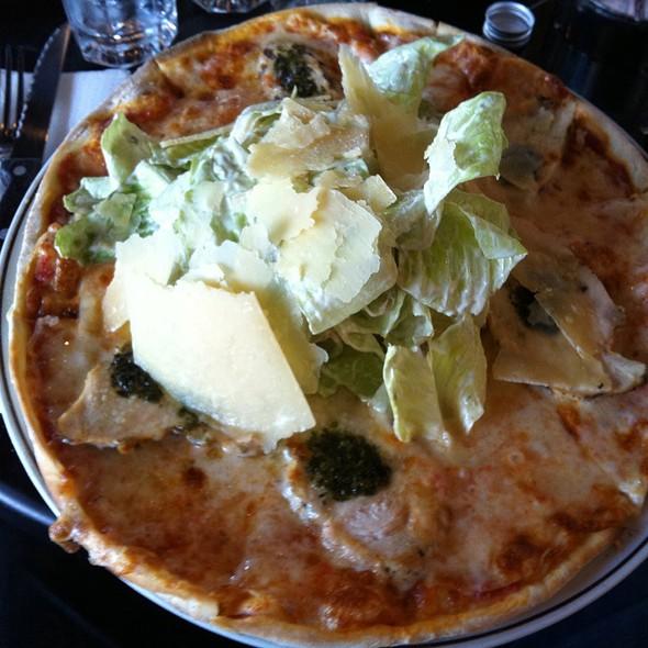 İzgara Tavuklu Sezar Pizza @ Kitchenette