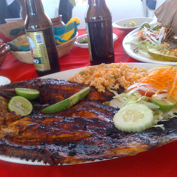 Pescado Sarandeado @ Acapulco, Guerrero