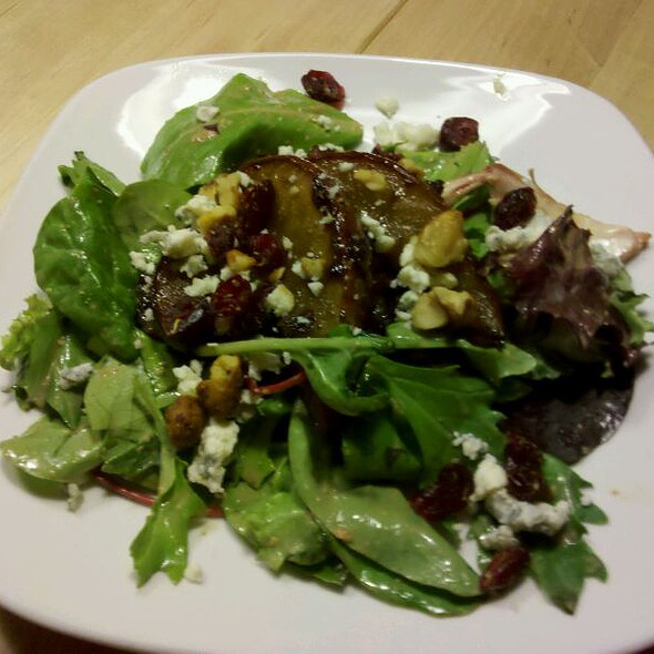 Roasted Pear And Walnut Salad @ Lucy's Kitchen