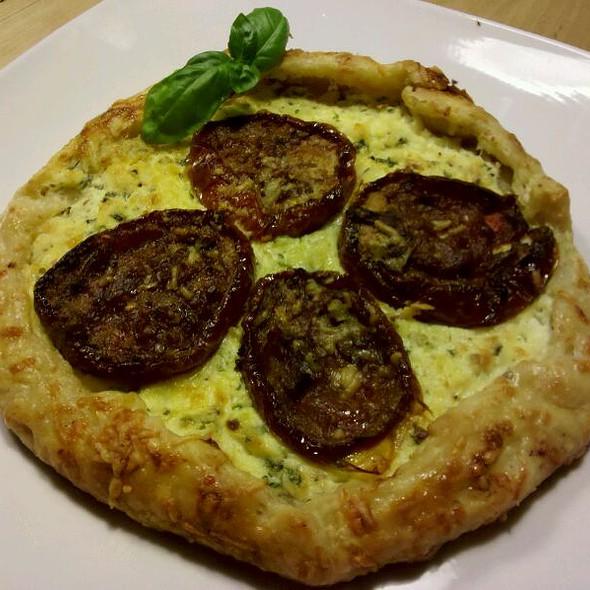 Roasted Tomato & Ricotta Tart @ Lucy's Kitchen