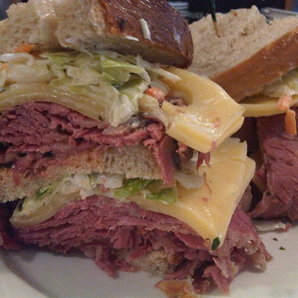 Overstuffed Sandwich @ Lanskys