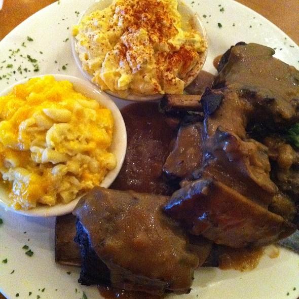 Short Ribs @ Kelsey & Kim's Southern Cafe