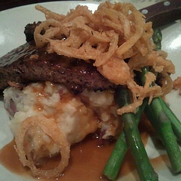 Meat Loaf - John Harvard's Brewery and Ale House, Framingham, MA
