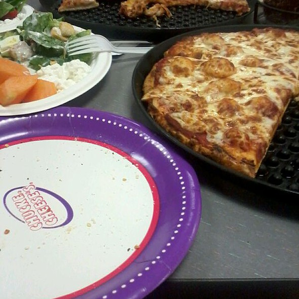 Pizza @ Chuck E Cheese's
