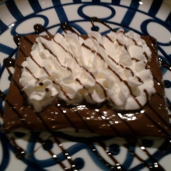 Fantastic Pinay @ Cafe Breton