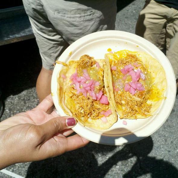 Taco De Cochinada @ Cochinita Pibil - Los Tacos de la Abuela - Suc. Satelite