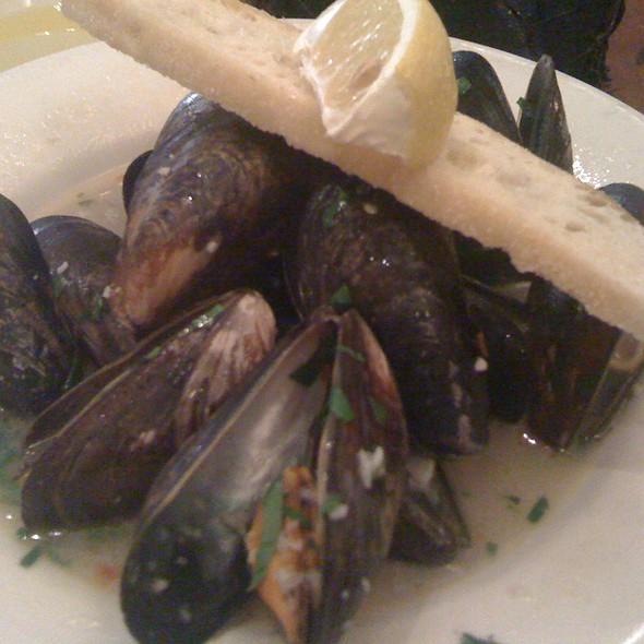 Prince Island Mussels @ La Traviata