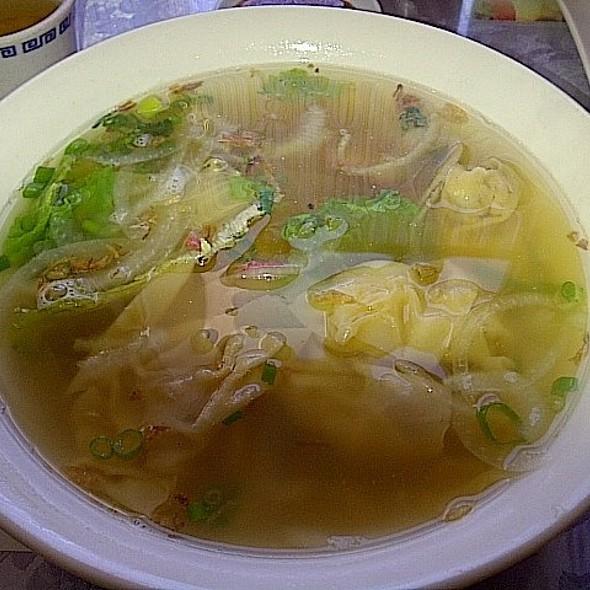 Won Ton Soup @ Bobo Cafe