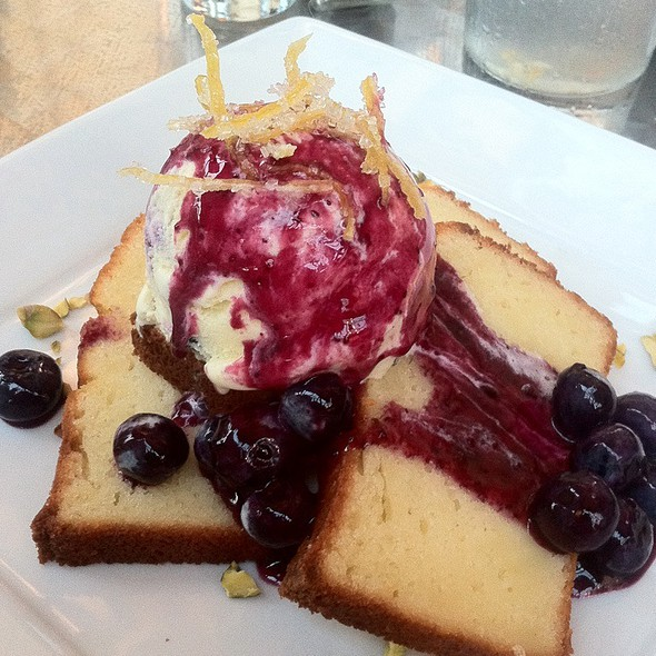 Limoncello Poundcake With Blueberries @ Guglhupf Bakery & Patisserie