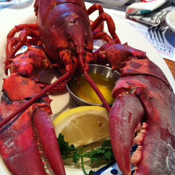 Whole Lobster @ Legal Sea Foods: Prudential Center
