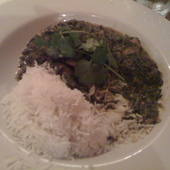 Saag Chicken @ Annapurna Cafe