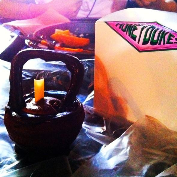 Cauldron Cake @ Honeydukes