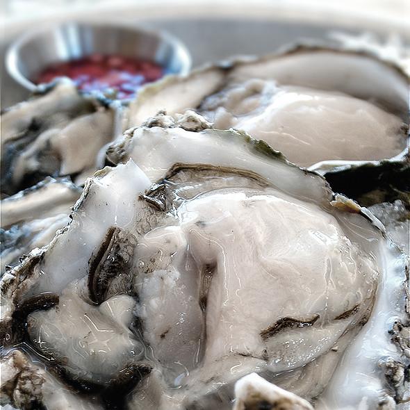 Half Dozen Raw Oysters - Matts' Rotisserie & Oyster Lounge, Redmond, WA