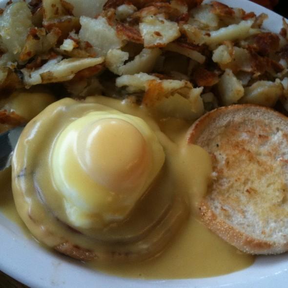 Eggs Benedict @ Pine Cone Restaurant