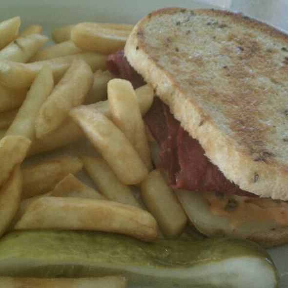 Grilled Ruben @ Tubby's