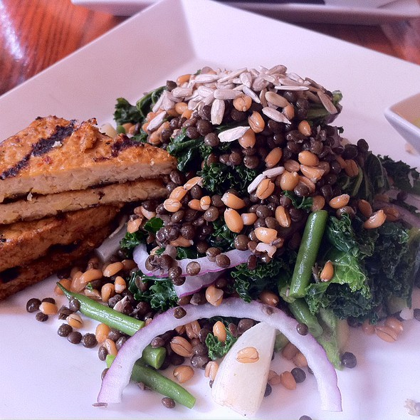 Grilled Kale Salad @ Candle 79
