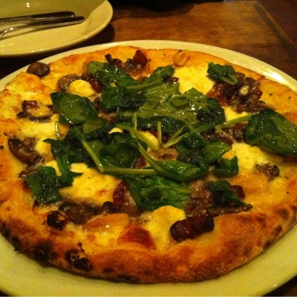 Pizza With Spinach & Lardons @ Nizza La Bella