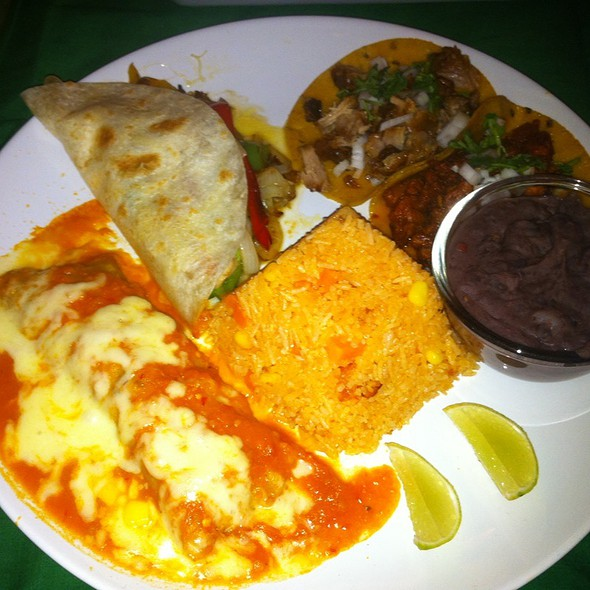 Mexican Plate @ Tacos & Salsa