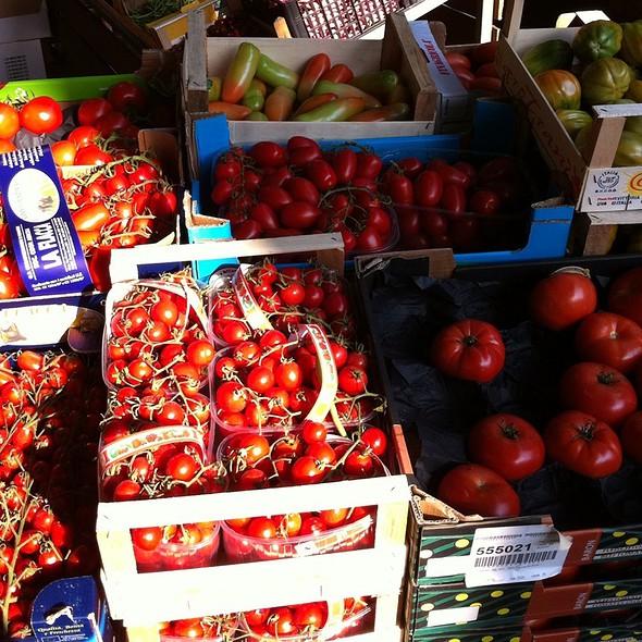 Tomatoes @ Fratelli D' Alfonso (S.R.L.) - Mercato Ortofrutticolo