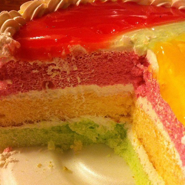 Hawaiian Paradise Cake @ Kings Hawaiian the Local Place