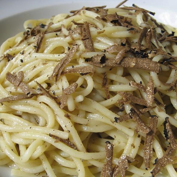 Spaghetti al tartufo @ Ristorante Luna