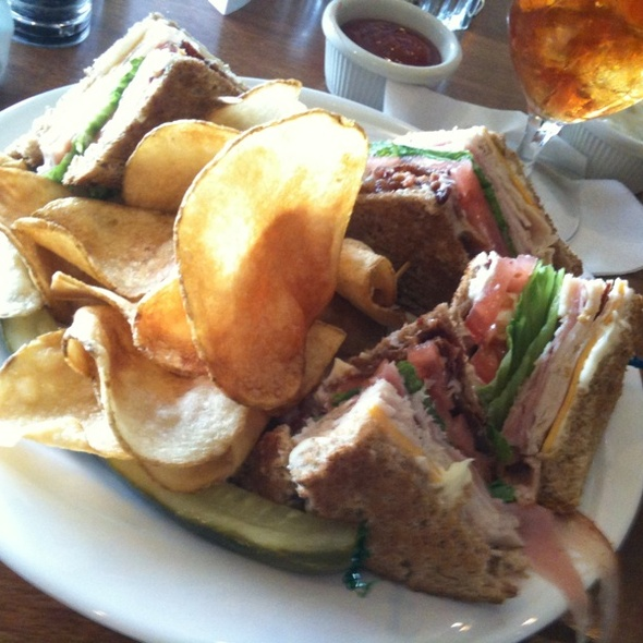 Classic Club Sandwich @ Cedar Point Golf and Country Club