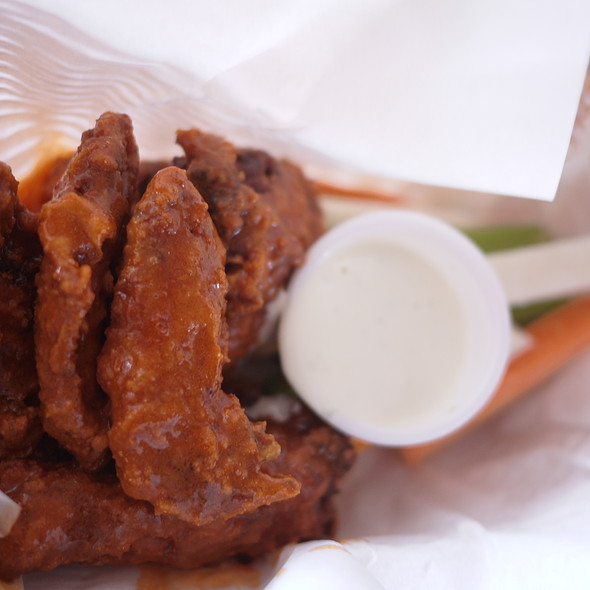 Buffalo Wings @ Charlie's Grind and Grill
