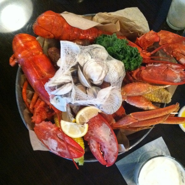 Steamed Lobster Pot For 2 @ Crab Shack