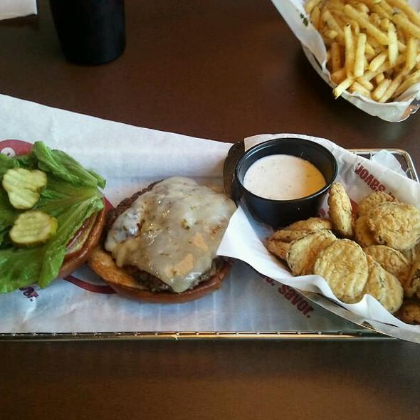 Create Your Own Burger @ Smashburger