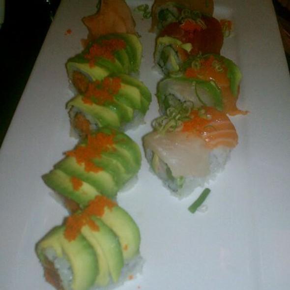 Godzilla & Rainbow Roll @ Ichiban Sushi