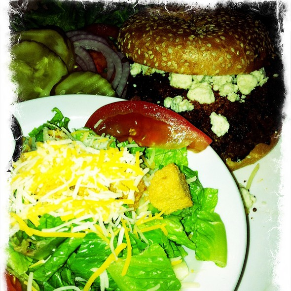 Black And Blue Burger @ The Brew House At Eastlake