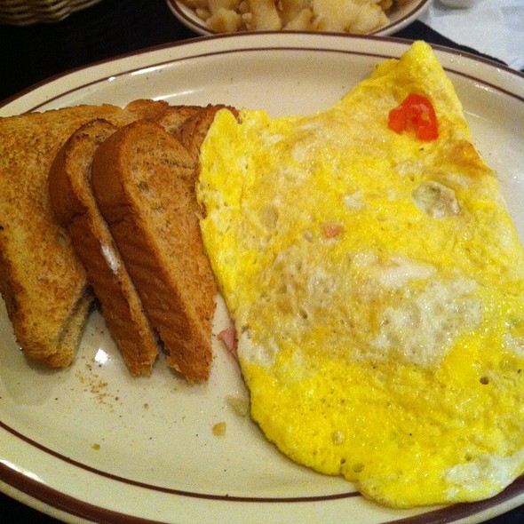 Western Omelette @ Tom & Ray's Restaurant