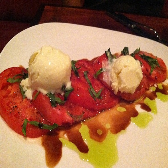 Heirloom Tomato Salad @ Magpie