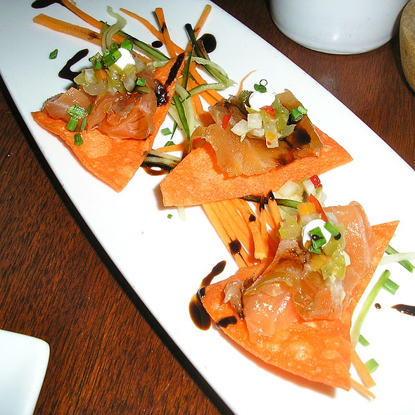 smoked salmon nachos @ Biga Riverwalk Restaurant