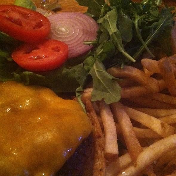 Sirloin Burger @ St. Dymphna's