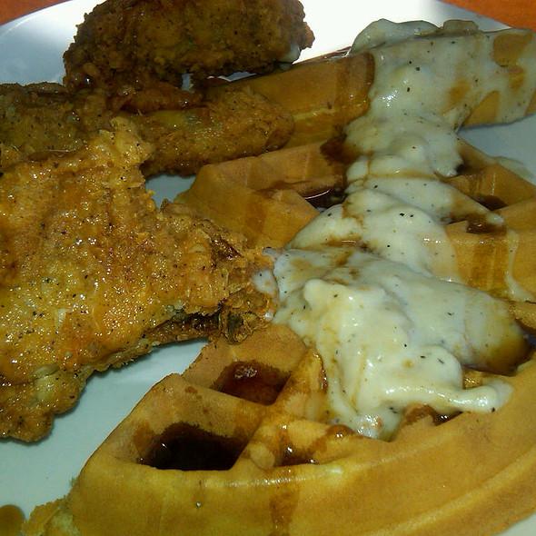 Chicken And Waffels @ Shari's of San Bruno