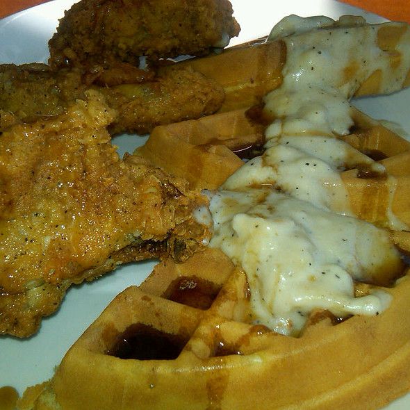 Chicken And Waffels @ Shari's of San Bruno