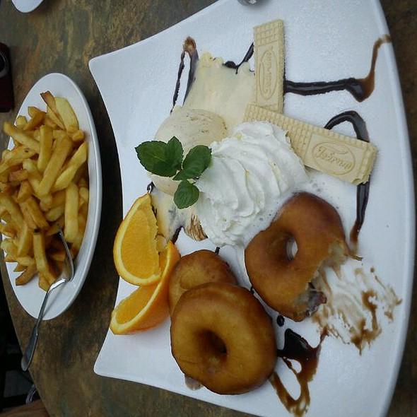 Apfelstrudel With Vanilla Ice Cream @ Café Niederegger