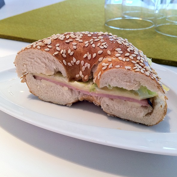 Bagel Sandwich @ BMW Museum
