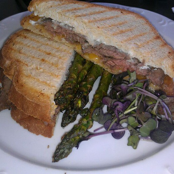 Roast Beef Panini @ The Empress