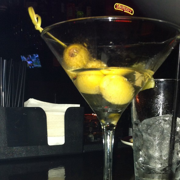 Dirty Martini @ Magnum Lounge
