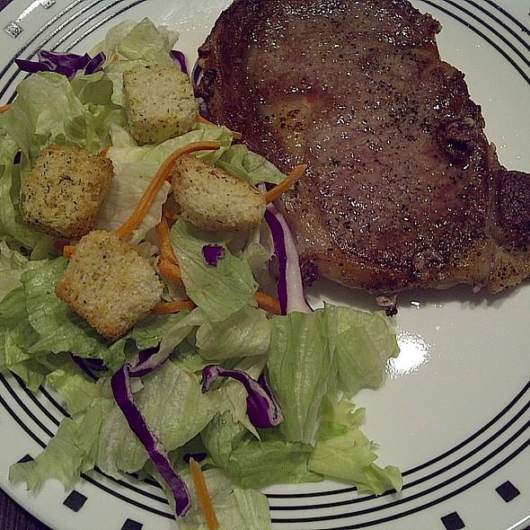Ribeye Steak Salad @ (a)(u)(d)'(s)