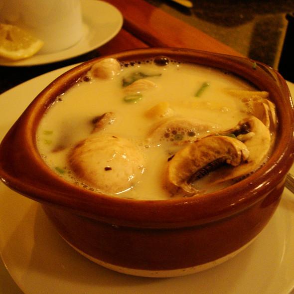 Tom Khar Gai (Spicy Coconut Soup)