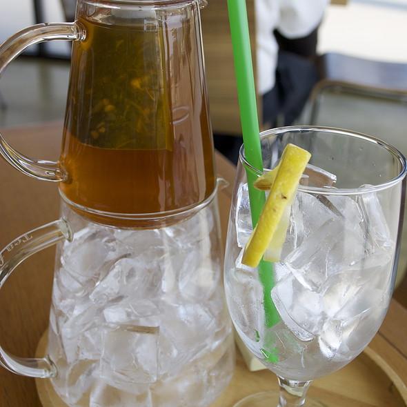 Ginger Pear Iced Tea - Plate Earthy California Cuisine, Malibu, CA