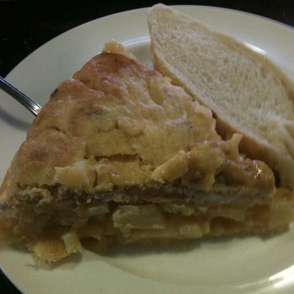Tortilla De Patata De Bonito @ Bar Oporto