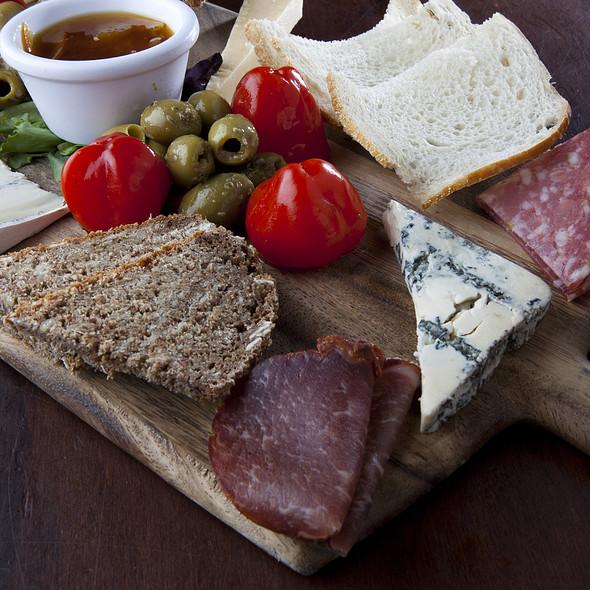 Cheese Board @ de Vere's Irish Pub