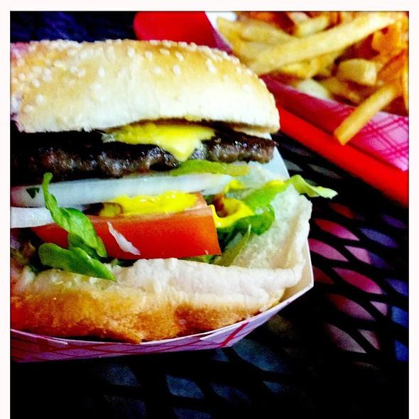 1/4 Cheeseburger  @ Wrigleyville Dogs