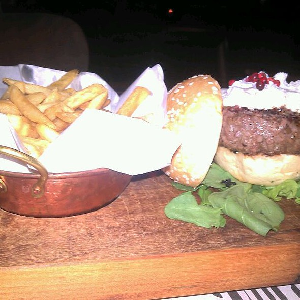 Mini Burger De Picanha @ Via Sete