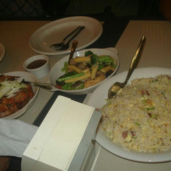 Yang Chow Rice, Lechon Macau, Veggies @ Mann Hann