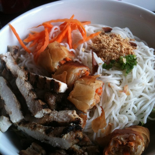 Rice Vermicelli With Grilled Chicken & Egg Roll @ Pho Hoang Minh